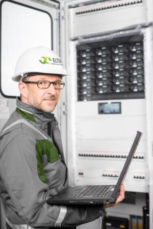 Eltek poszukuje pracownika na stanowisko: Serwisant systemów zasilania gwarantowanego